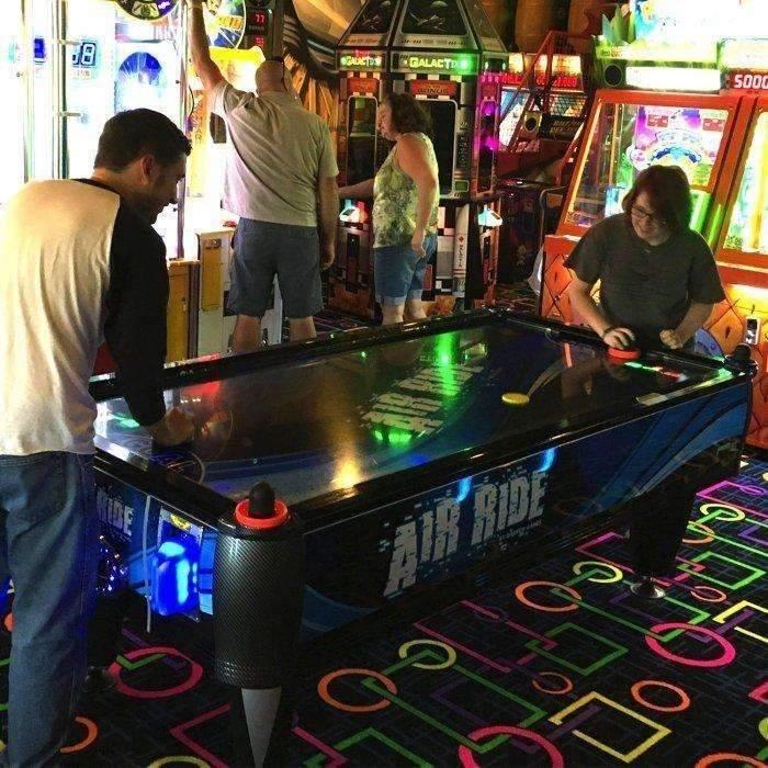 barron-games-air-ride-2-player-air-hockey-table-air-hockey-table-barron-games-air-hockey-table-zone-8_1024x1024